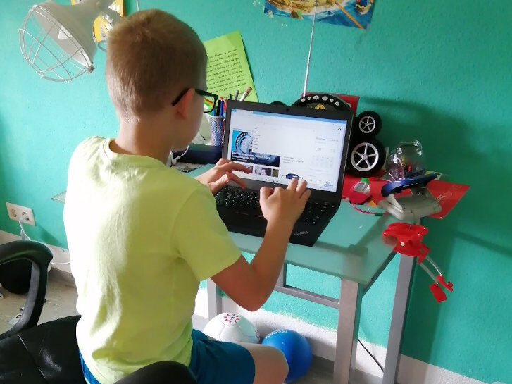 Ohne Laptop kein Homeschooling. Foto: DWB