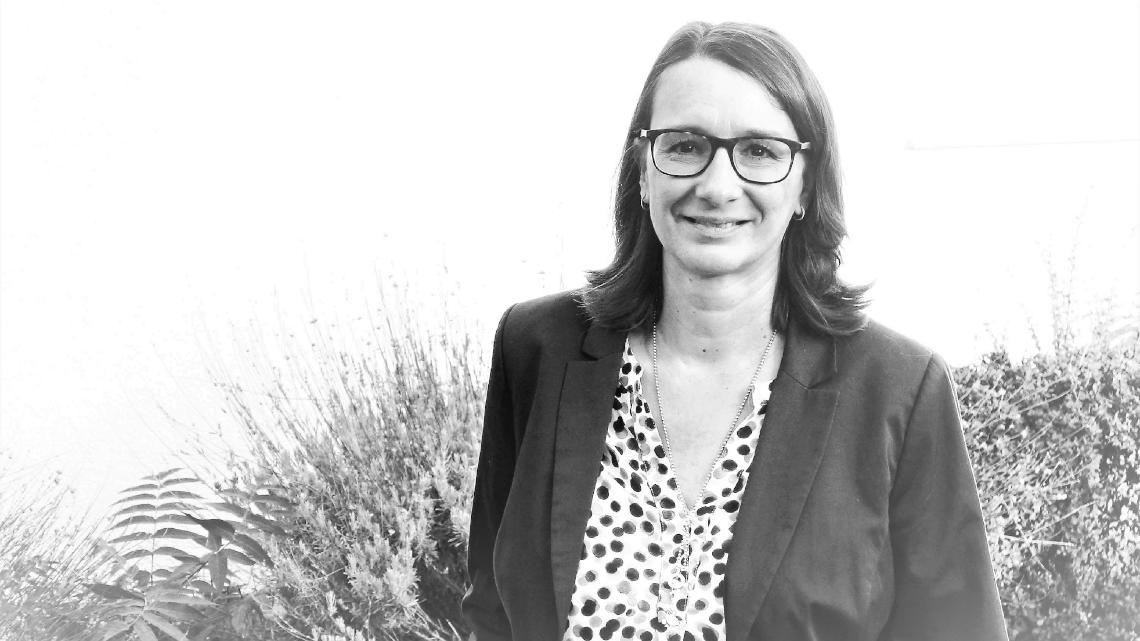 Ihre Ansprechpartnerin für Geld-, Anlass- und Nachlassspenden: Jutta Weller, stellv. Leiterin des Diakonischen Werks Bergstraße. Foto: Beate Preuss