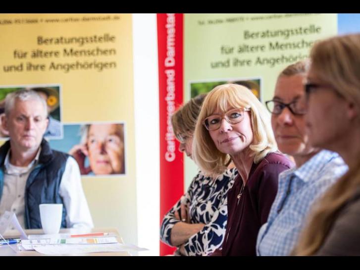 Im Einsatz für Senioren haben sie alle Hände voll zu tun: von links Martin Fraune, Marianne Lange, Alexandra Mandler-Pohlen, Beate Weidner-Werle und Susanne Hagen. Foto: Sascha Lotz