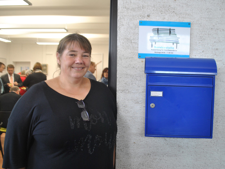Seit zehn Jahren ist Petra Mauer das Herz und das Gesicht der Servicestelle Lampertheim. Foto: Benjamin Kloos