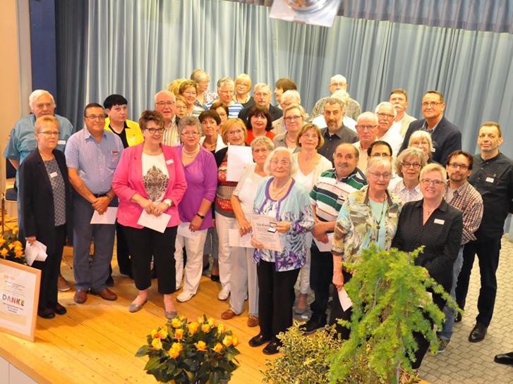 In einer Feierstunde wurde am Mittwoch, den 25. April wurde das Engagement der vielen freiwilligen Helfenden, die sich in der Tafel-Arbeit in Lampertheim engagieren, in der Notkirche in Lampertheim gewürdigt. Foto: Heidi Sekulla