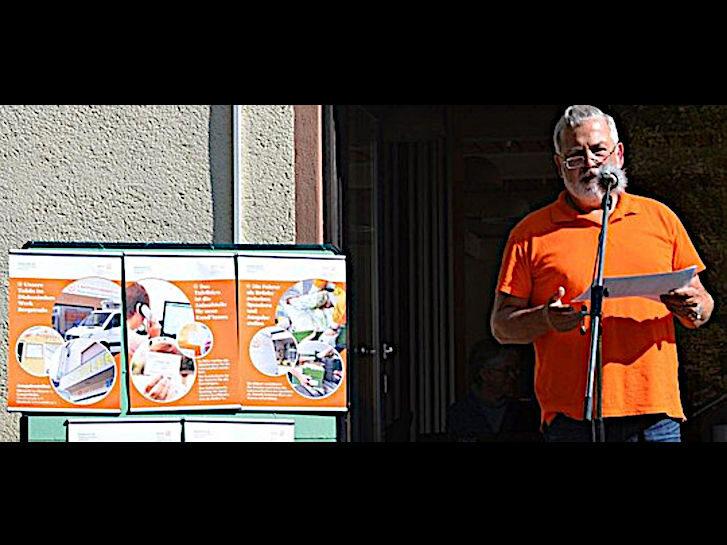 Manfred Wöhlert, ehrenamtlicher Mitarbeiter, berichtete in Rimbach über die Tafelarbeit.